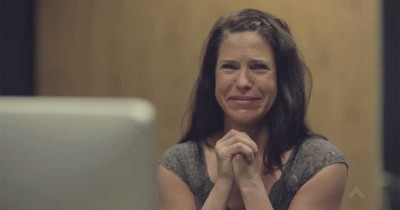 What Did This Mom See That Brought Her to Tears? Priceless.